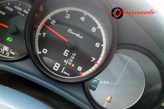 Porsche Panamera Turbo gauges